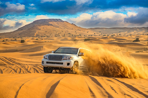 Dune Bashing Desert Safari | Middle East | Be Inspired | Howard Travel